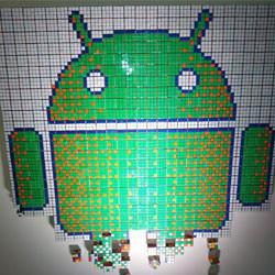 Google多伦多办公室用魔方拼出Android机器人