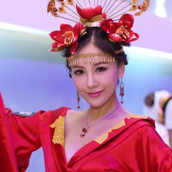 2013CJ经典回顾 网易Showgirl大秀女神范儿